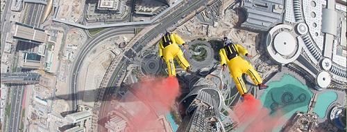 melompat dari burj khalifa